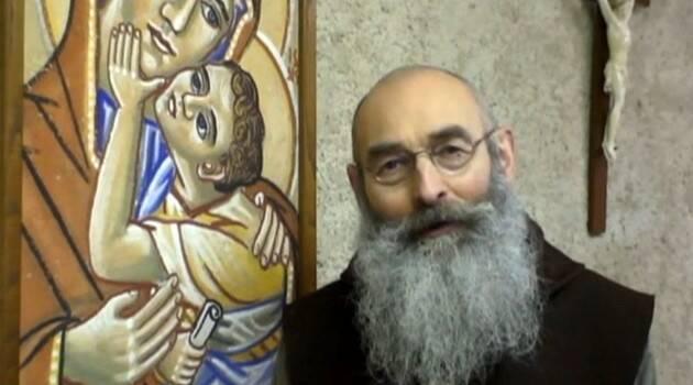 """Prior de un Monasterio, ex-maestro de Yoga formado en India, advierte: """"No hay Yoga Cristiano"""""""