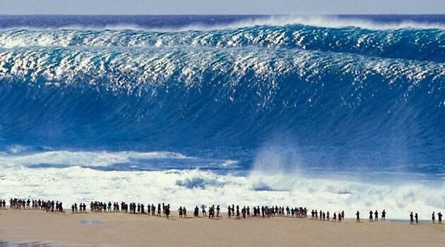Afirman que un tsunami se detuvo al bendecir el mar con el Santísimo Sacramento expuesto