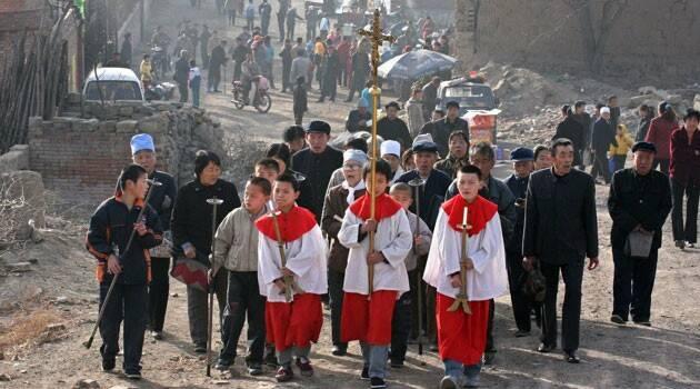 """El """"Vía Crucis"""" de Gaetano Pollio, Arzobispo torturado por el régimen chino"""