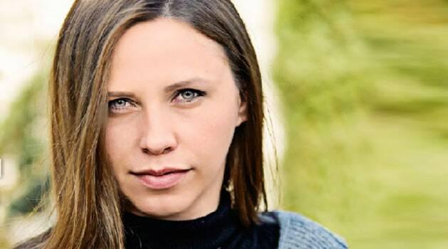 """Ania, una modelo con avión privado y vida """"de infierno"""" encontró a Dios en Medjugorje y predica la castidad"""