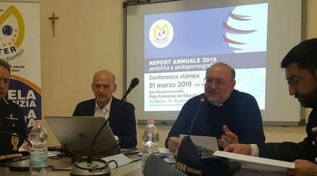 """Un nuevo informe documenta el """"silencio cómplice"""" de líderes civiles ante el abuso de los pedófilos en línea"""