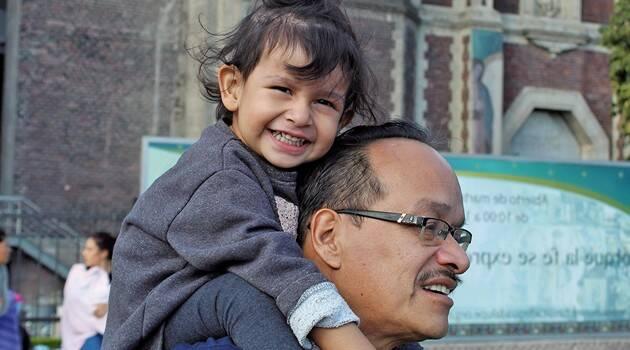 """Alejandra, una pequeña de dos años, es salvada de la muerte por mediación de """"la Morenita"""""""