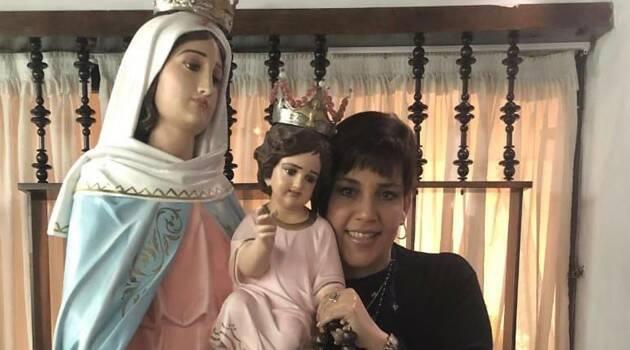 Una empresaria reencuentra su fe y devoción a la Virgen al enfrentar la enfermedad y muerte de su esposo
